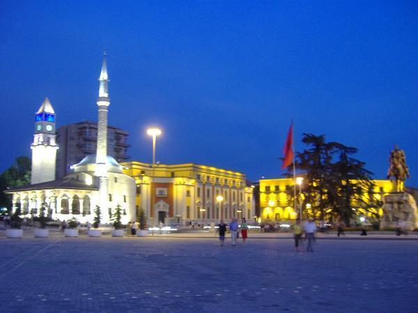 Atenţie la Albania!