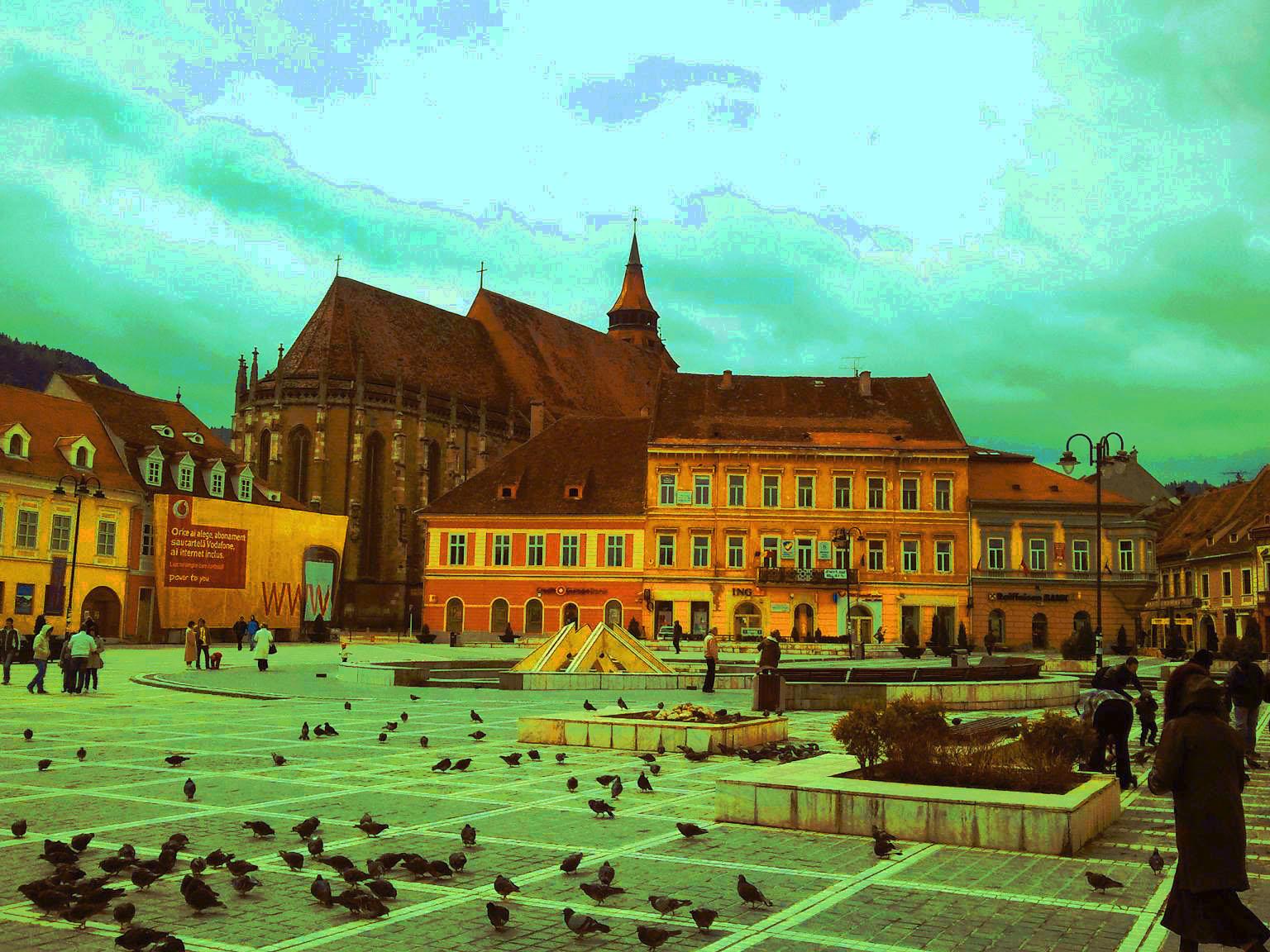 Piaţa Sfatului din Braşov (România – o fotografie şi o poveste / 35)