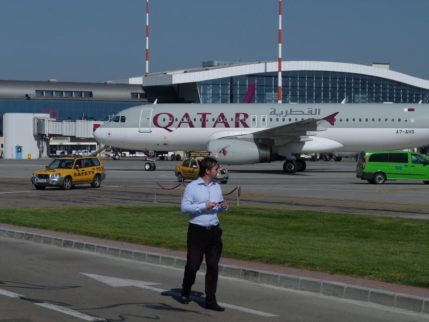 "Companii aeriene ""low cost"" versus companii de linie"