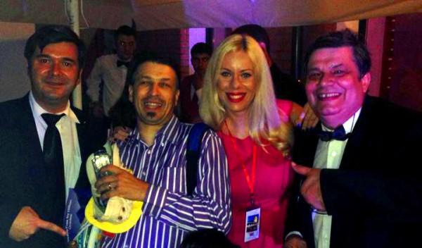 Echipa Innovation Travel alături de somelierul George Ignat, reprezentantul Vinurilor lui Dinescu si de jurnalistul Florin Albu