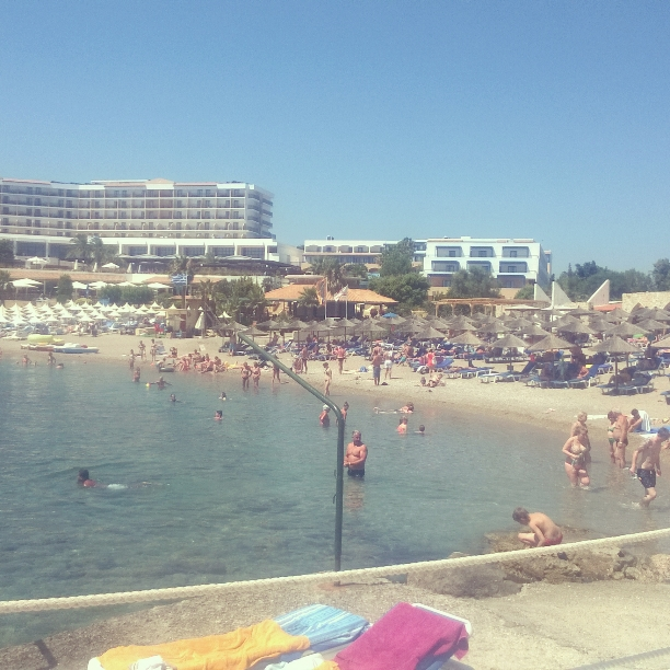 Plajele din Rhodos erau full...
