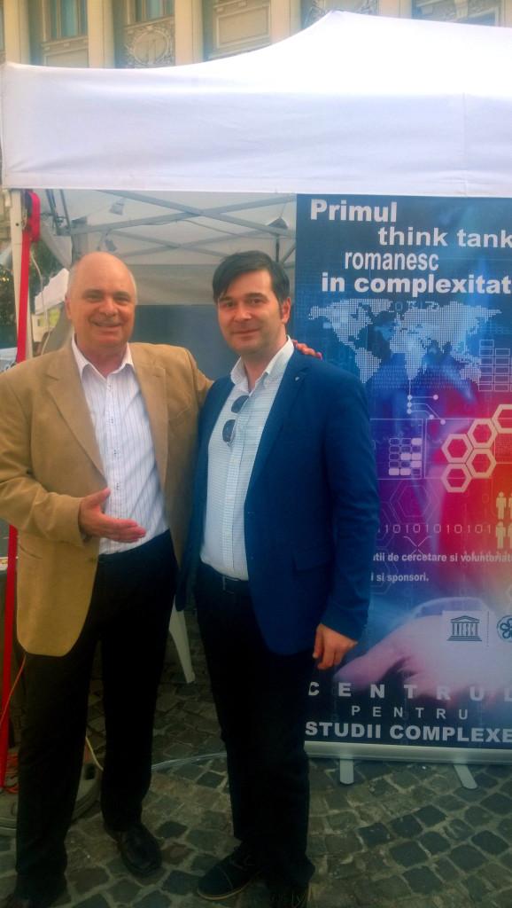 Alături de prof. Florin Munteanu, fondatorul Centrului pentru Studii Complexe