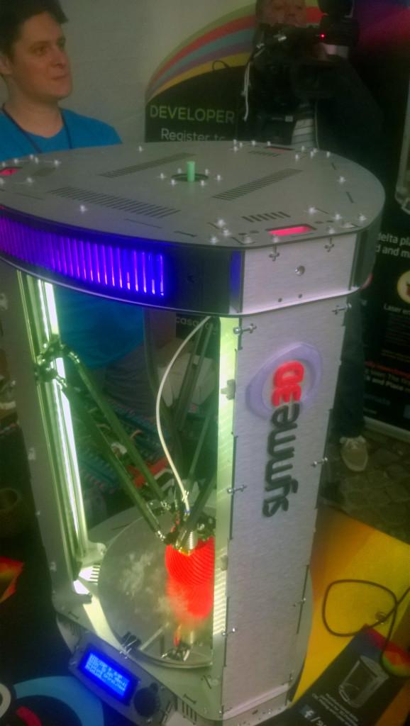 Una din imprimantele 3D prezente la Noaptea Cercetătorilor