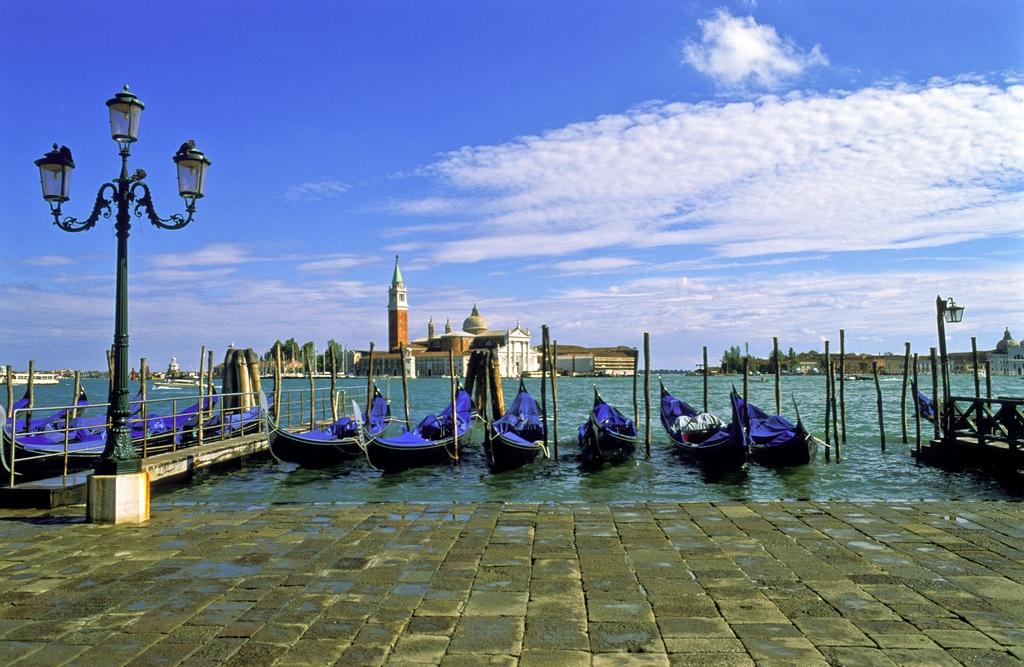 Veneţia, Sicilia, Praga, Moscova şi alte destinaţii inedite de Paşte