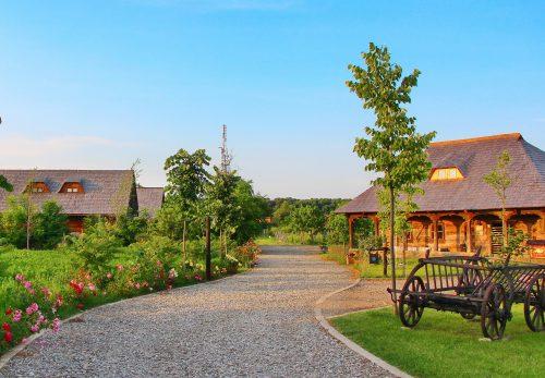 Grădina Vlahiia aduce Maramureșul la Snagov