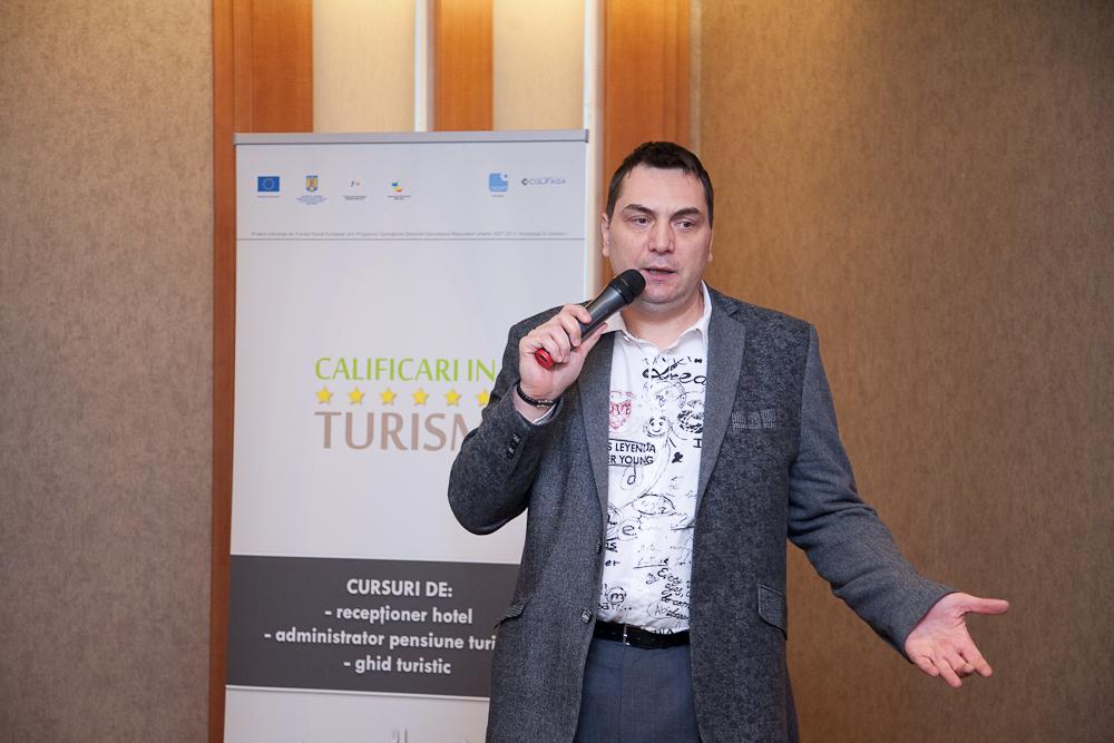 """Dan Anghelescu: Comoditatea si aglomerarea urbana au creeat """"homo internetus""""!"""