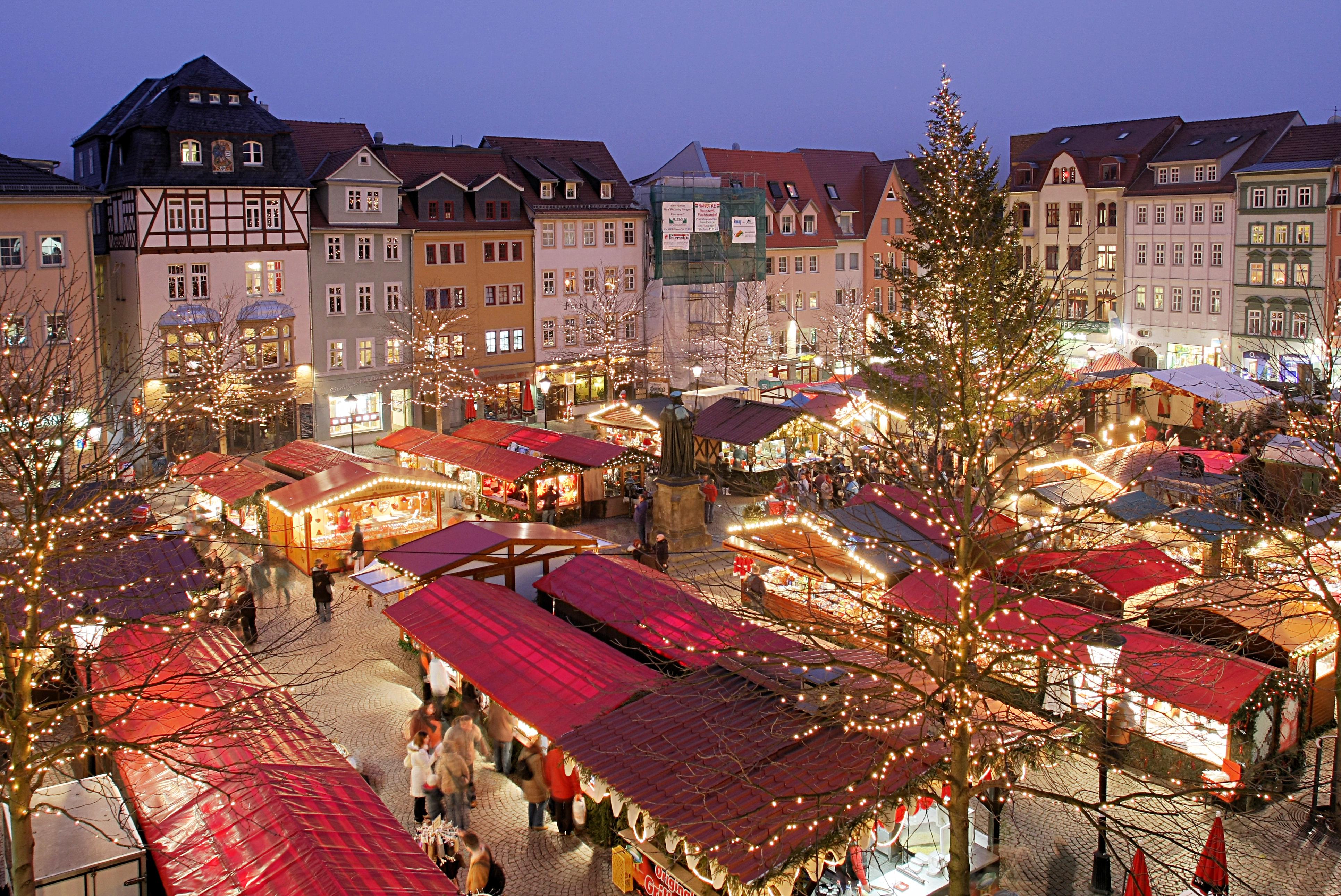 Unde mai putem petrece sărbătorile de iarnă. Azi ofertele Alltur