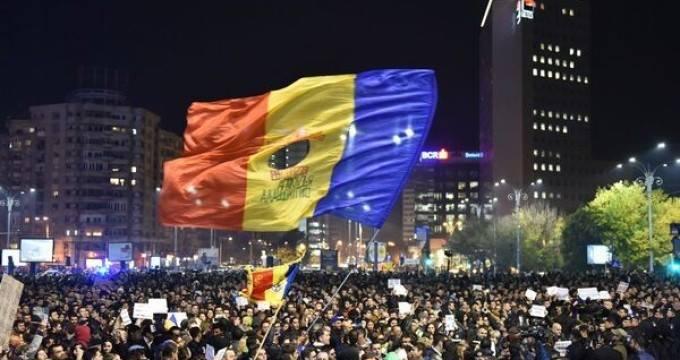 Restart România. Evoluţia Colectiv-ă trebuie să ne aducă profesionişti şi LIDERI