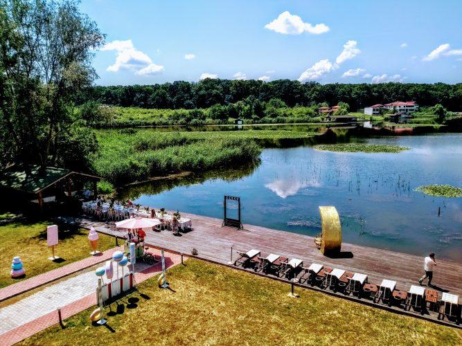 Un adevărat resort mediteraneean pe malul Lacului Snagov